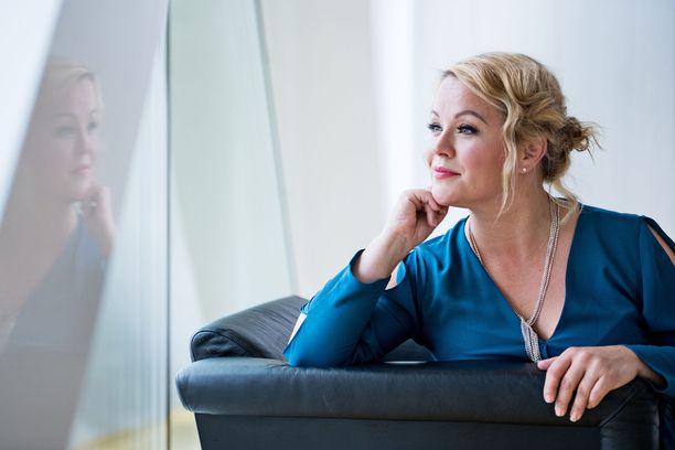 Heidi Pakarinen kertoi lähdöstään Facebookissa.