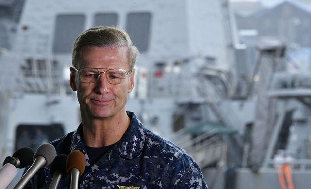 18. kesäkuuta 2017 Joseph Aucoin vastasi lehdistön kysymyksiin Yokosukan tukikohdassa Japanissa. USS Fitzgeraldin onnettomuudessa menehtyi tietävästi seitsemän amerikkalaista.