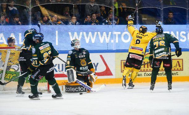Tämä oli pelin koko kuva: SaiPa tuuletti ja Ilves murjotti.