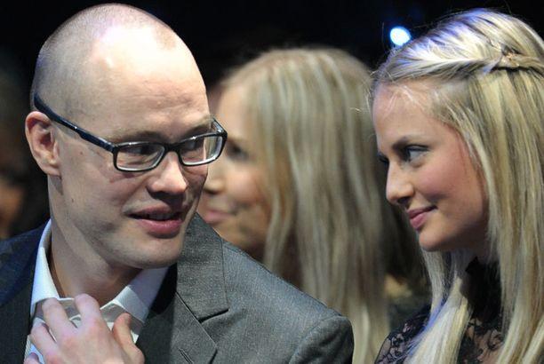 Jarkko Ruutu ja Sofia Morelius menivät kihloihin viime vuonna. Kuva viime joulukuulta.