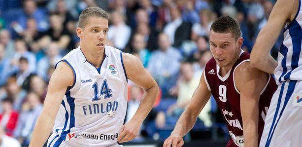 Suomi pyrkii tosissaan villillä kortilla koripallon MM-kisoihin.