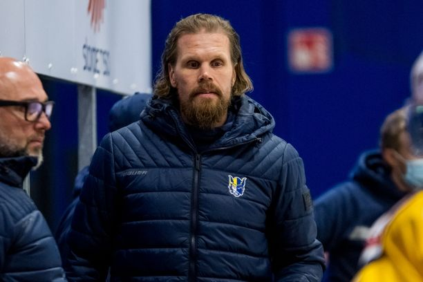Olli Jokinen debytoi SM-liigassa päävalmentajana perjantaina.