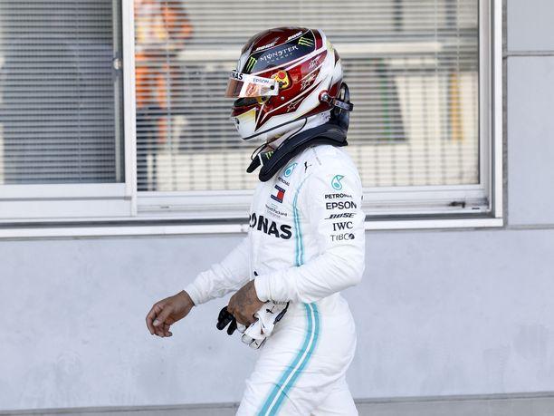 Lewis Hamilton ei ollut tyytyväinen kolmanteen sijaansa.