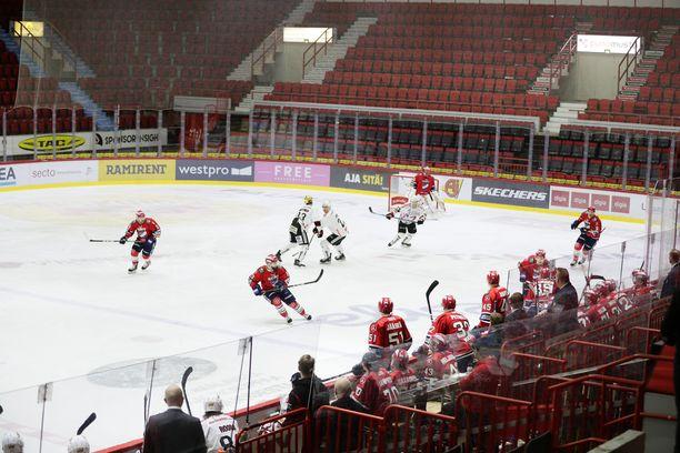 HIFK–JYP-ottelu pelattiin koko liigakierroksen tavoin koronavirus-pandemian takia tyhjille katsomoille.