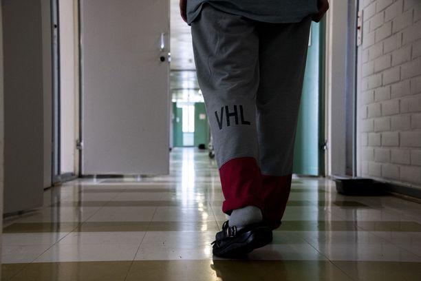 Uusissa vankiloissa kaikki vangit saavat käyttöönsä jonkinlaiset digipäätteet. Tulevaisuudessa vartijat opastavat vankeja muun muassa netin käytössä ja muissa yhteiskunnan vaatimissa taidoissa.
