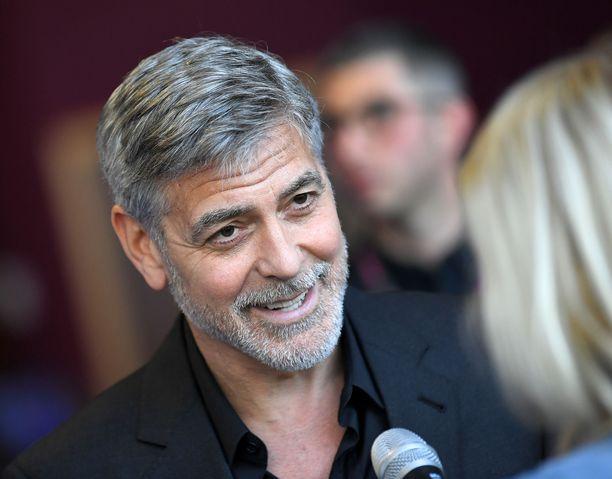 George Clooney uskoo vahvasti, ettei hänestä tule Archien kummisetää.