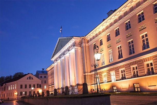 Tarton yliopiston päärakennuksesta löytyy kiinnostavaa nähtävää.