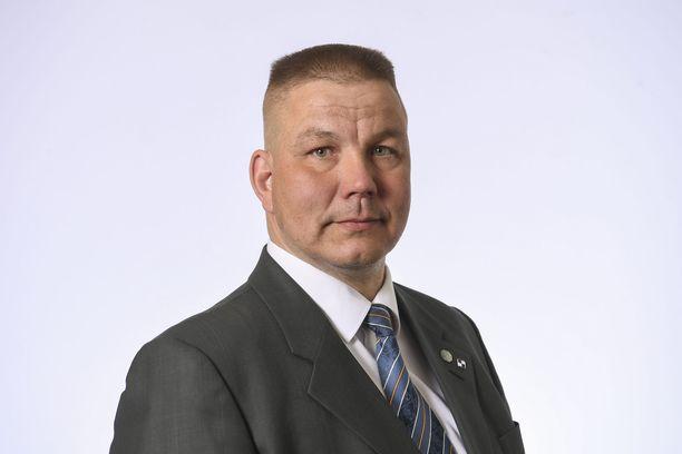 Kansanedustaja Juha Mäenpään (ps) ei saanut syytettä.