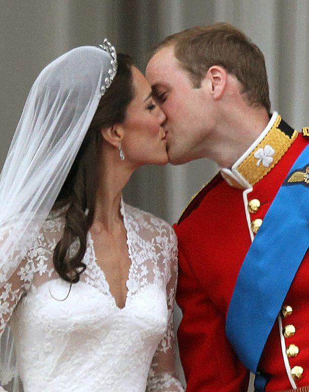 Katen ja Williamin suudelma.