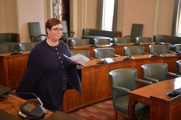 Merja Kyllönen (vas) on uusvanha kansanedustaja. Hänet valittiin eduskuntaan 2011, mutta hän siirtyi Euroopan parlamenttiin vuonna 2014.