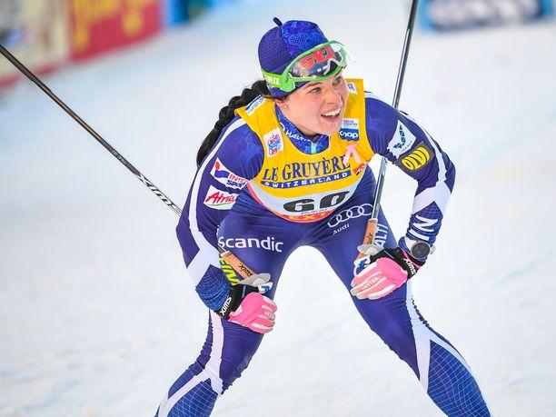 Krista Pärmäkoski on ollut alkukauden kilpailuissa kärjen tuntumassa, mutta aivan kärkivauhtiin ei toitaiseksi ole ollut hänelläkään asiaa.