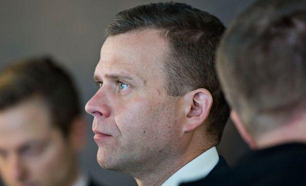 Valtiovarainministeri Petteri Orpon mukaan soteuudistus ei kiristä kenenkään verotusta.