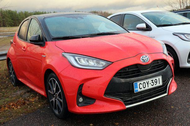 Uusi Toyota Yaris on kiivennyt kärkikolmikkoon.