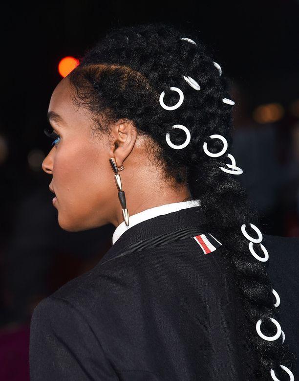 Janelle Monaen kekseliäs lettityyli sopii laulajan mustavalkoiseen tyyliin.