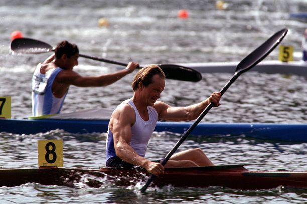 Olympiavoittonsa lisäksi myös MM-kultaa melonut Mikko Kolehmainen oli 1990-luvun suuria suomalaisurheilijoita.
