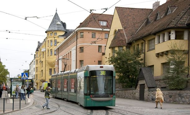 """HELSINKI, EIRA Eiran hintataso on aivan omaa luokkaansa kaikilla mittareilla. Alue on Suomen kallein. Ympäristö-ministeriön palvelun ilmoittama korkein toteutunut neliöhinta huoneistolle oli """"vain"""" 7632 euroa. Uniikkikohteista on maksettu pitkälle yli kymmenen tuhatta euroa neliöltä."""