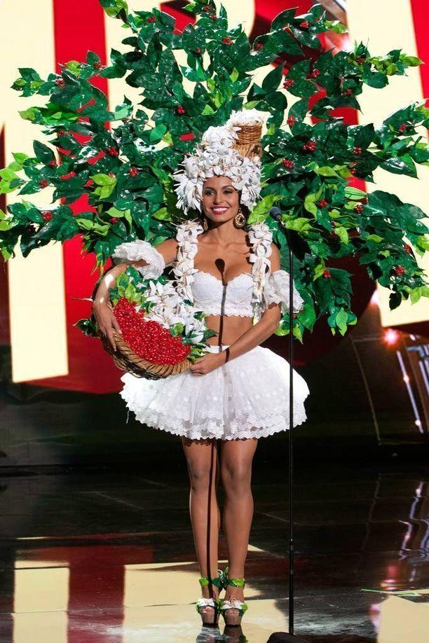 Miss Costa Rica oli täynnä lehviä.