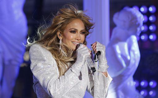 Jennifer Lopezin kummallinen somehaaste floppasi - yllyttää heittämään arvotavaraa pois