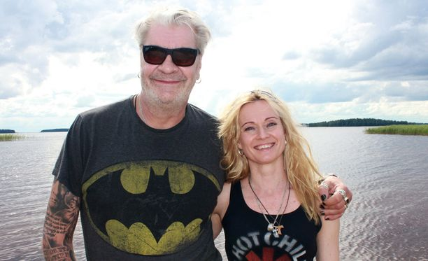 Jussi Lampi ja Marjo Salomaa ovat olleet kihloissa kohta viisi vuotta.