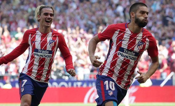 Antoine Griezmann ja Yannick Carrasco tuulettivat kumpikin kertaalleen maalia Sevillaa vastaan.