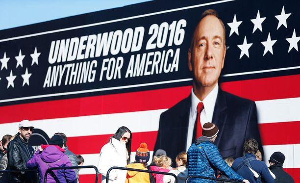 Netflixin House of Cards -sarjan fiktiivinen, Kevin Spaceyn esittämä hahmo Frank Underwood vaalijulisteessa Yhdysvalloissa.