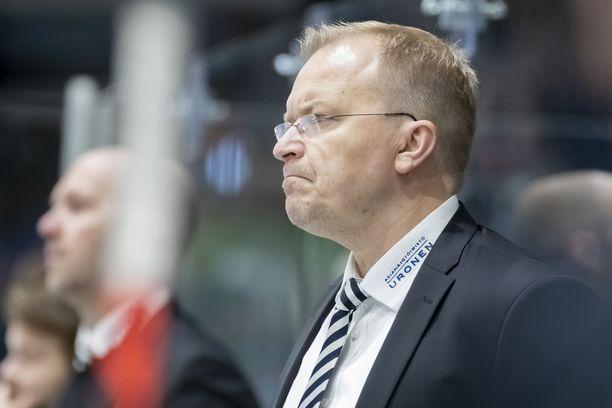 Kalle Kaskinen jatkaa TPS:n päävalmentajana.