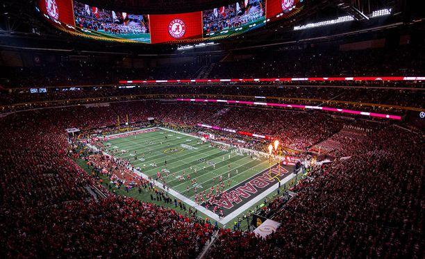 Atlantassa sijaitseva Mercedes-Benz Stadium valmistui viime syksynä ja maksoi kaikkiaan noin 1,4 miljardia euroa.