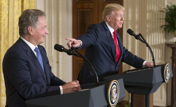 Suomen tasavallan presidentti Sauli Niinistö ja Yhdysvaltain presidentti Donald Trump tapasivat maanantaina Washingtonissa.