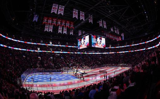 """Polvistuvatko NHL-pelaajat, kun pelit jatkuvat? – """"Haluaisin puhua jääkiekkoon liittyvistä asioista"""""""