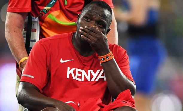Julius Yego heitti jalkamurheista huolimatta olympiahopeaa.