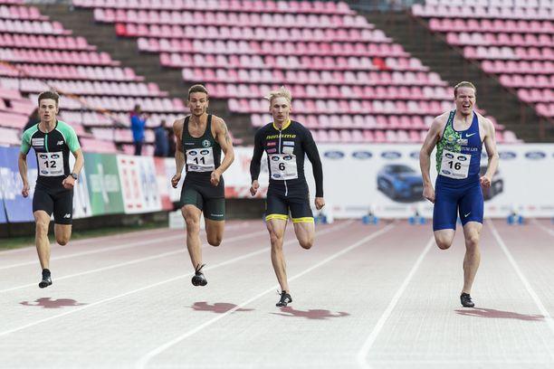 Tampereella käytiin tiukka kisa miesten 100 metrin juoksun voitosta.