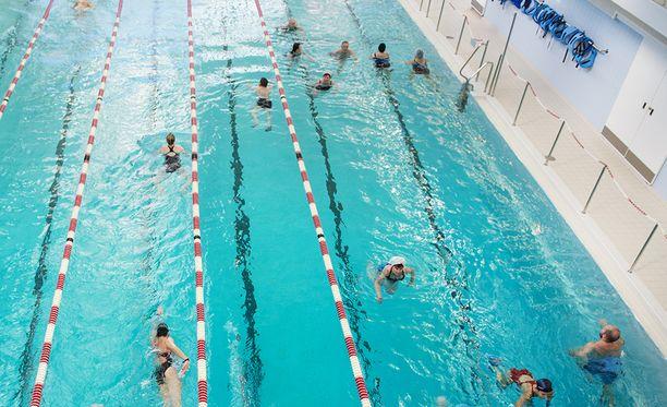 Uimari kuoli aamulla Kemin uimahallissa. Kuvituskuva.