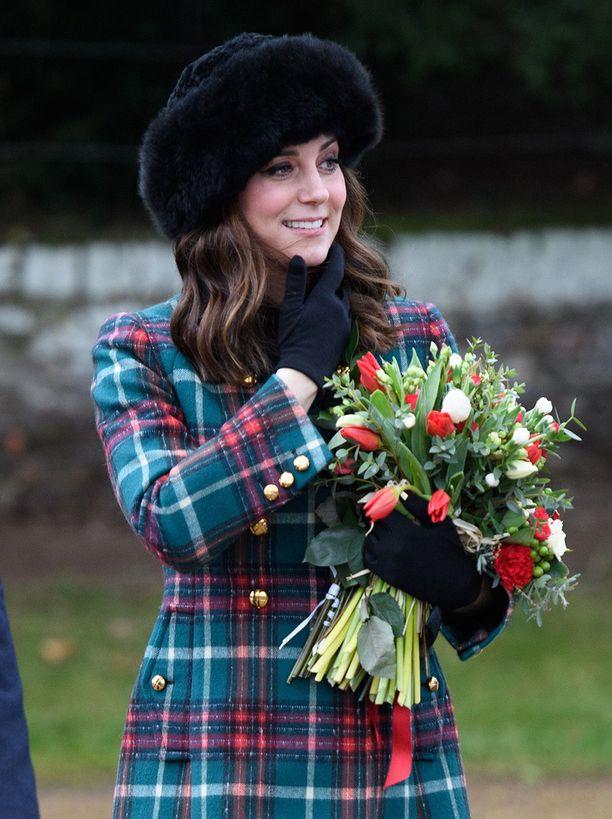 Katella oli mitä ilmesimmin Miu Miun tyylikäs takki.