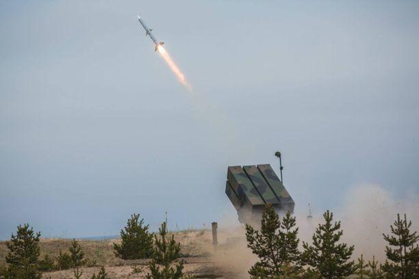 Nasams II -ohjus laukaistuna valtakunnallisessa ilmapuolustusharjoituksessa.