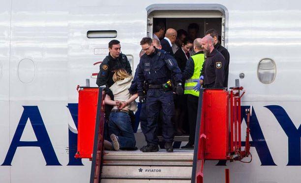 Finavia vahvistaa British Airwaysin koneen tehneen välilaskun, mutta kertoo tarkemman kommentoinnin olevan lentoyhtiön vastuulla.