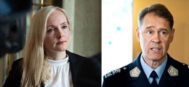 Sisäministeri Maira Ohisalo ja poliisiylijohtaja Seppo Kolehmainen.
