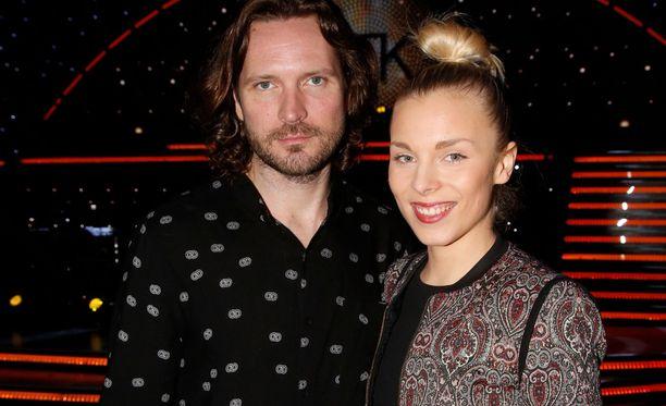 Kai Vaine ja Laura Allonen olivat katsomassa Tanssii tähtien kanssa -kuvauksia helmikuussa 2017.