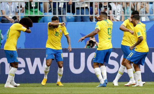 Brasilian tähdet matkivat tuuletuksessaan suosittua esports-peliä.