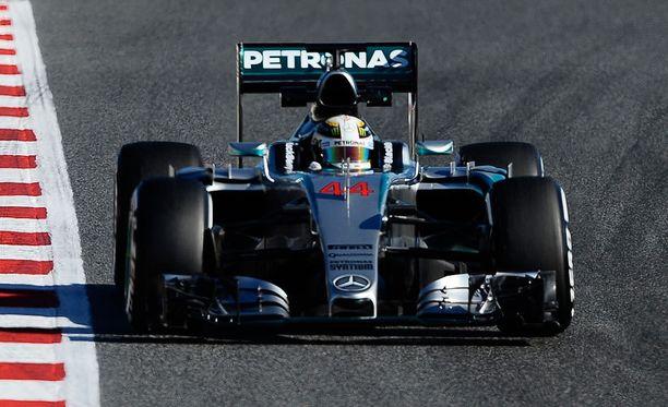 Lewis Hamilton oli lauantaina nopein kuljettaja.