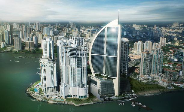 Trump Ocean Club sijaitsee Panama Cityssä. Se on kuvan kaareva rakennus.