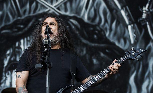 Laulajabasisti Tom Araya on luotsannut Slayeriä alusta asti. Kuvassa Araya South Park -festivaalin keikalla Tampereella 2016.