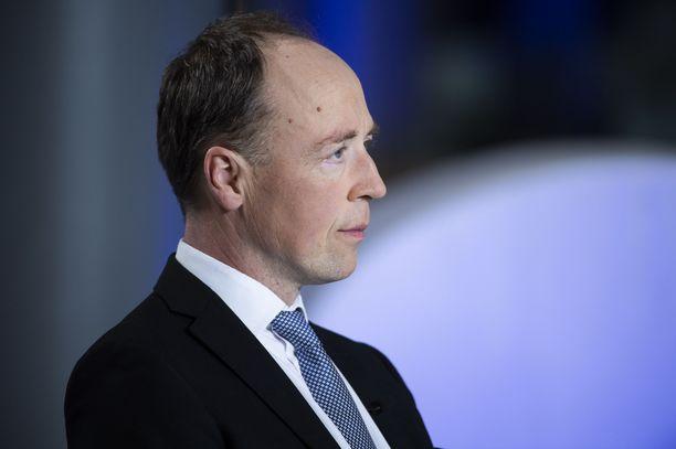 Jussi Halla-aho istuu kautensa loppuun Euroopan parlamentissa.