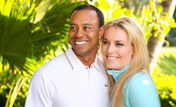 Golftähti Tiger Woods ja alppihiihtäjä Lindsey Vonn julkistivat suhteensa maanantaina.
