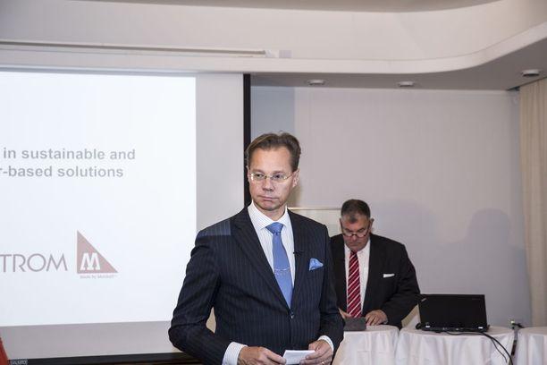 Munksjö ja Ahlstrom yhdistyivät 2016. Hans Sohlström esitteli tuolloin fuusiota Ahlström Capitalin toimitusjohtajana.