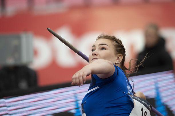 Anni-Linnea Alanen on juhlinut tällä kaudella jo Suomen ennätystä ja EM-mitalia.
