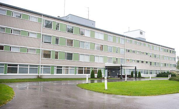 Kaivannan vastaanottokeskus toimii entisen Kaivannon sairaalan tiloissa.