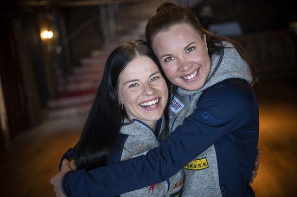 2Krista Pärmäkoski (vas.) ja Kerttu Niskanen muodostavat Suomen duon sunnuntain MM-pariviestissä.