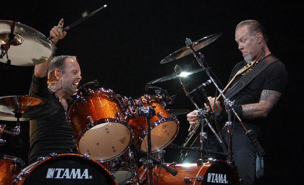 Metallica teki yhteistyötä Lou Reedin kanssa. Konkarimuusikkojen levy ilmestyy 31. lokakuuta. Kuvassa Lars Ulrich (vas.) ja James Hetfield.
