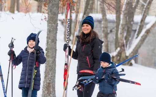 Näin hienosti prinssi Oscar, 4, hiihtää – Ruotsin kuninkaallinen perhe innostui loistavasta talvisäästä, kuvat