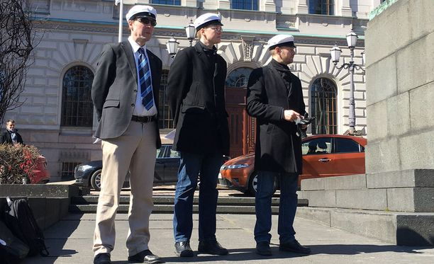 Perussuomalaisten puheenjohtajaksi pyrkivä europarlamentaarikko Jussi Halla-aho piti hänelle harvinaisen julkisen puheen vappupäivänä Helsingissä.